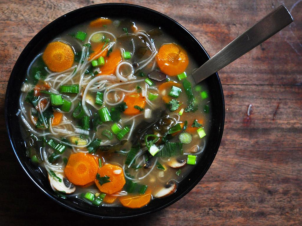 Le meilleur des bouillons thaï-japonais-vietnamien