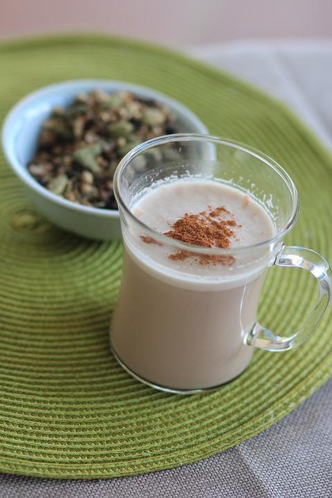 Pour changer, remplace ton café par un bon chaï maison !