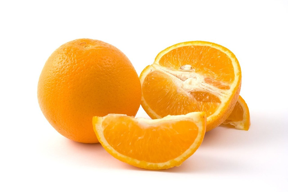 Pour remplacer ton café de fin de repas, fais-toi une orange, ça aide la vidange...